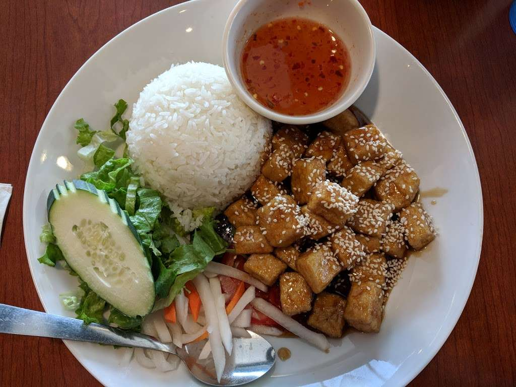 Pho Vy - Parker - restaurant  | Photo 7 of 10 | Address: 18366 Lincoln Ave #109, Parker, CO 80134, USA | Phone: (303) 840-7300
