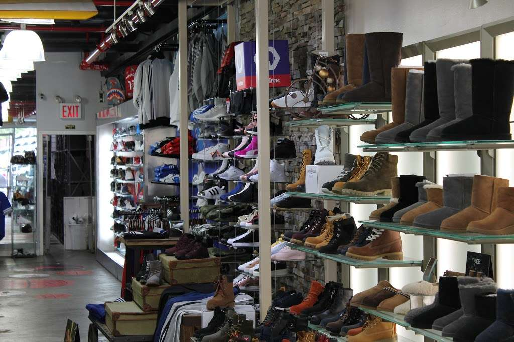 City Jeans Premium - shoe store  | Photo 7 of 10 | Address: 2996 Third Ave, Bronx, NY 10455, USA | Phone: (718) 401-5919