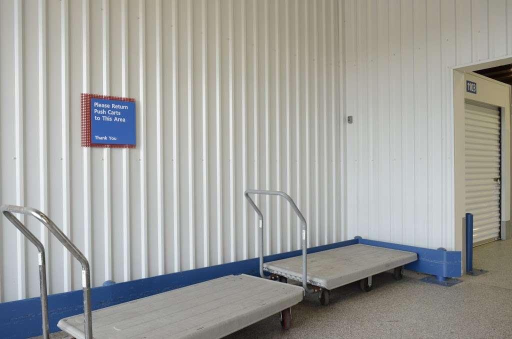 ezStorage - storage    Photo 4 of 10   Address: 1010 Crain Hwy, Bowie, MD 20716, USA   Phone: (301) 249-4840