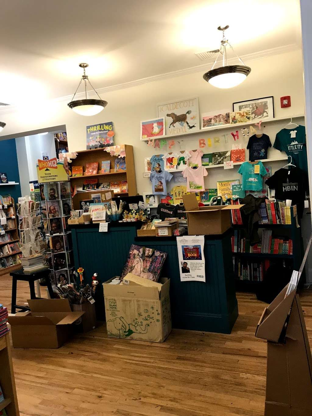 Little City Books - book store  | Photo 8 of 10 | Address: 100 Bloomfield St, Hoboken, NJ 07030, USA | Phone: (201) 626-7323