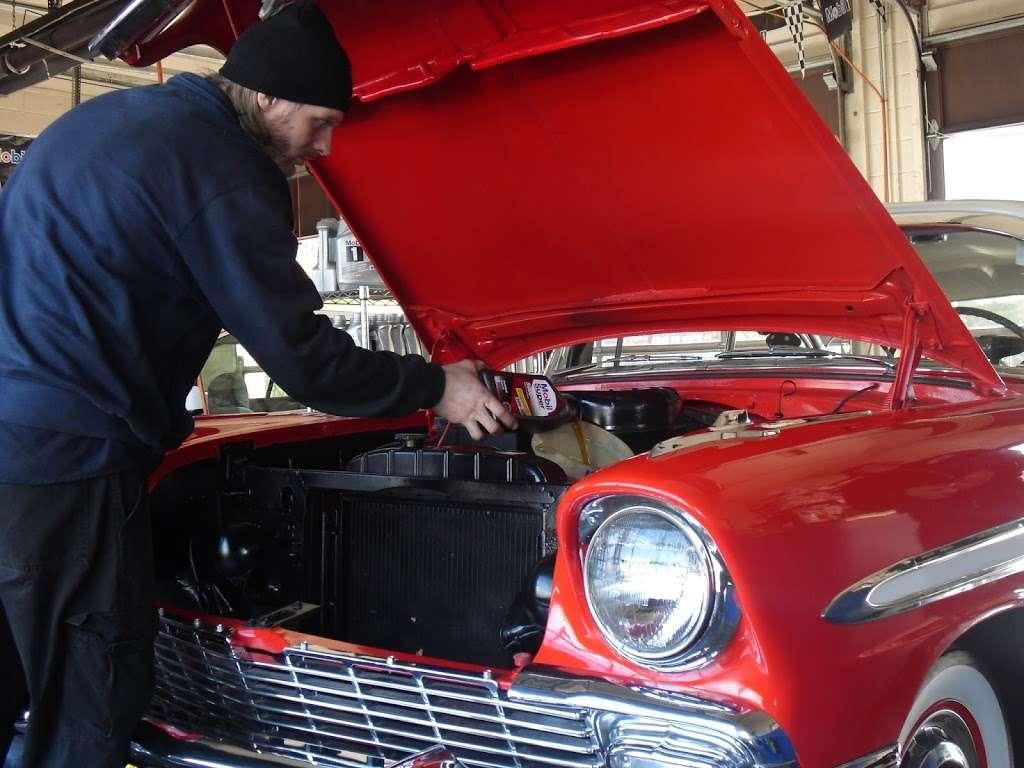 Mobil 1 Lube Express - car repair    Photo 6 of 8   Address: 758 US-1, Edison, NJ 08817, USA   Phone: (732) 253-8100