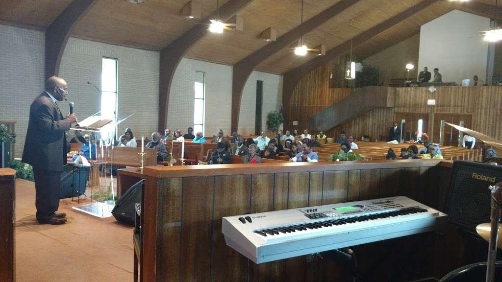 Mt. Zion Christian Ministries - church  | Photo 1 of 10 | Address: 1019 Scaleybark Rd, Charlotte, NC 28209, USA | Phone: (704) 525-9866