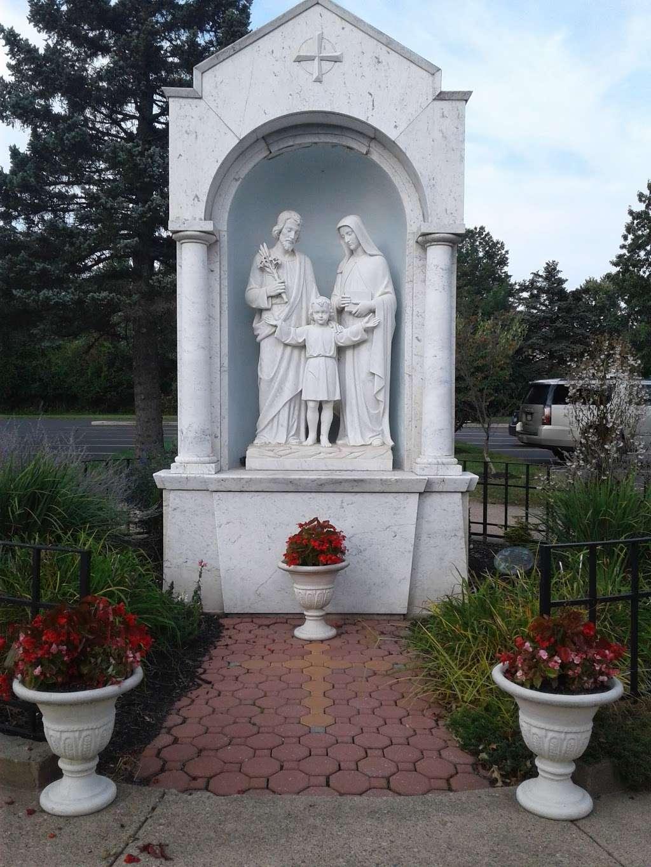 Saint Alphonsus Catholic Church - church  | Photo 4 of 10 | Address: 33 Conwell Dr, Maple Glen, PA 19002, USA | Phone: (215) 646-4600