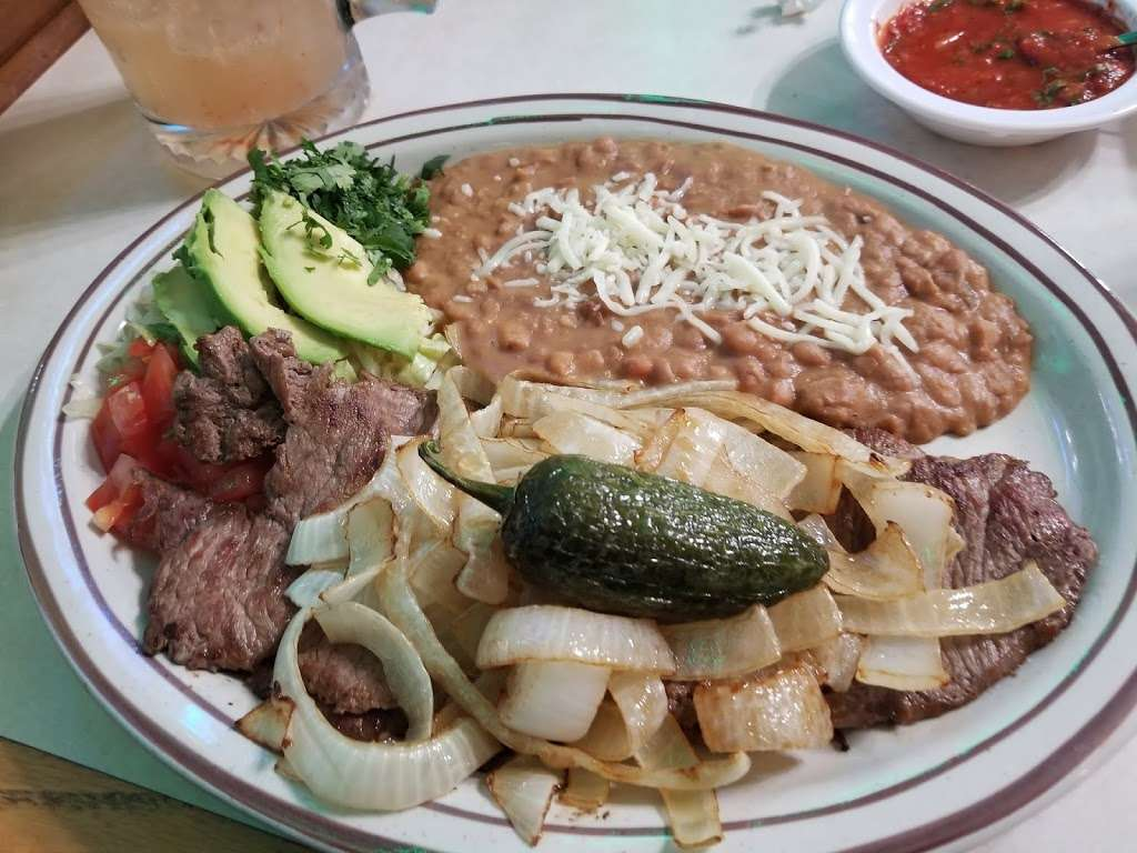 El Jimador Mexican Restaurant & Bar - restaurant  | Photo 7 of 10 | Address: 3447 W Forest Home Ave, Milwaukee, WI 53215, USA | Phone: (414) 930-9121