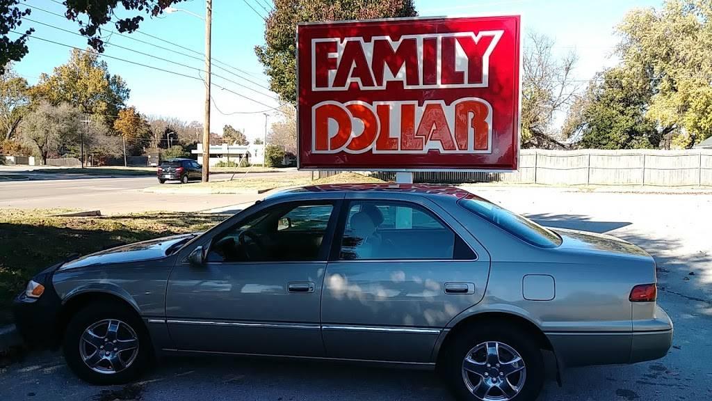 Family Dollar - supermarket  | Photo 6 of 10 | Address: 5521 S Peoria Ave, Tulsa, OK 74105, USA | Phone: (918) 984-6678