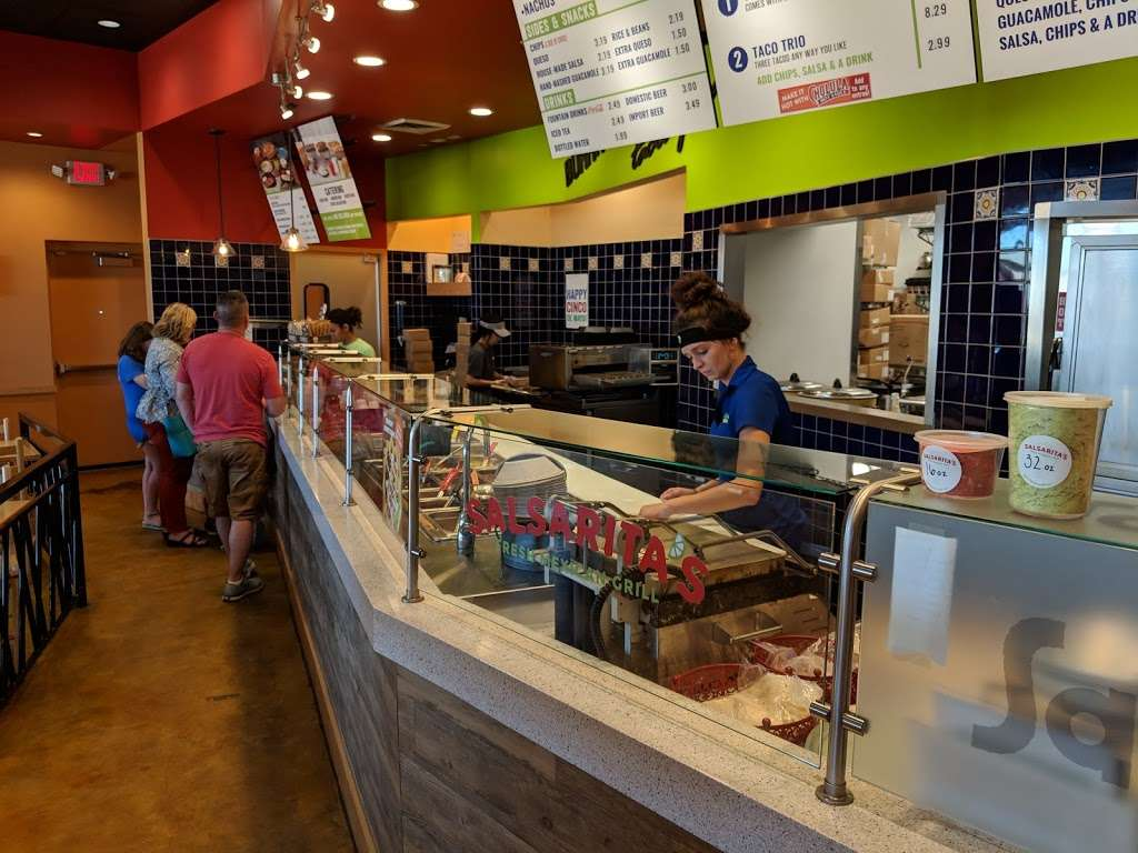 Salsaritas Fresh Mexican Grill - restaurant  | Photo 3 of 10 | Address: 120 Summit Park Dr #600, Salisbury, NC 28146, USA | Phone: (704) 870-3037