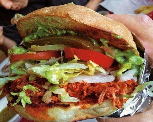 Tortas Juniors - restaurant    Photo 3 of 18   Address: Atenas #3751, Playas, Costa Azul, 22506 Tijuana, B.C., Mexico   Phone: 664 558 1585