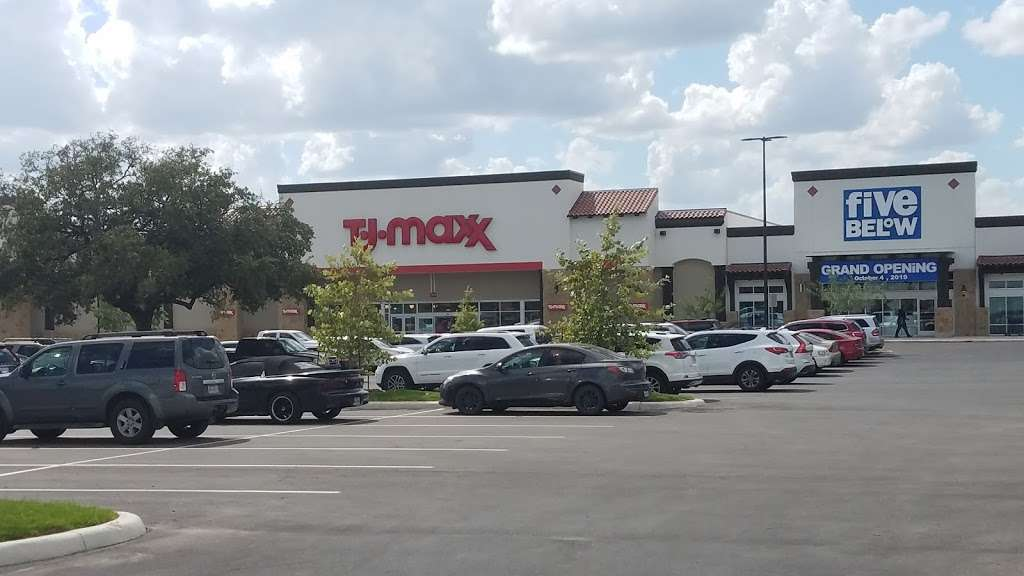 The Shops at Dove Creek - shopping mall    Photo 7 of 10   Address: 415 TX-1604 Loop, San Antonio, TX 78251, USA   Phone: (210) 660-3660