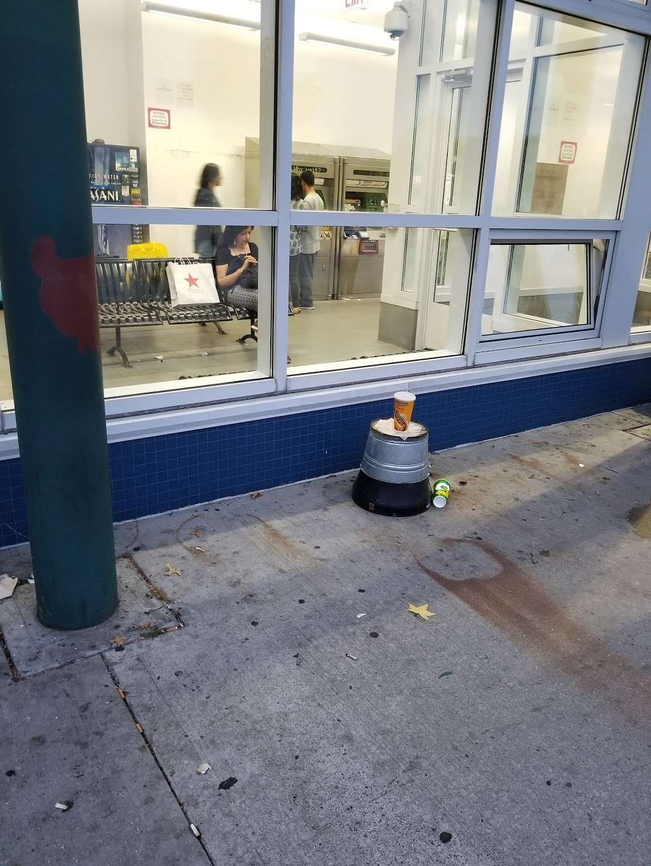 Eltingville/Transit Center - bus station    Photo 5 of 9   Address: Staten Island, NY 10312, USA