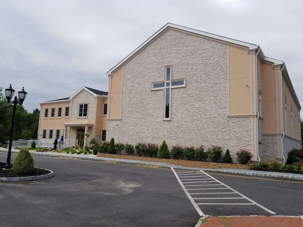 IGLESIA PENTECOSTAL RÍOS DE AGUA VIVA - LIVING WATERS PENTECOSTA - church  | Photo 8 of 10 | Address: 49 N Main St, Windsor, NJ 08561, USA | Phone: (609) 371-2659