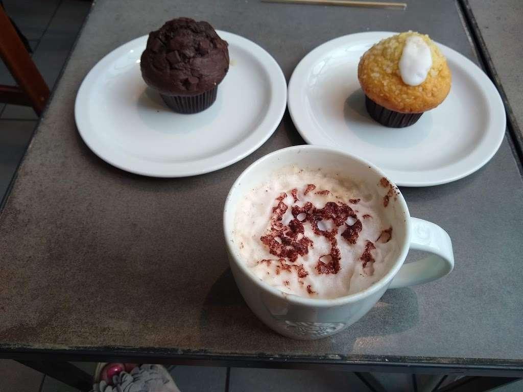 Starbucks Coffee - cafe  | Photo 5 of 10 | Address: 119 London Rd N, Hooley, Merstham, Redhill RH1 3AL, UK | Phone: 01737 550382