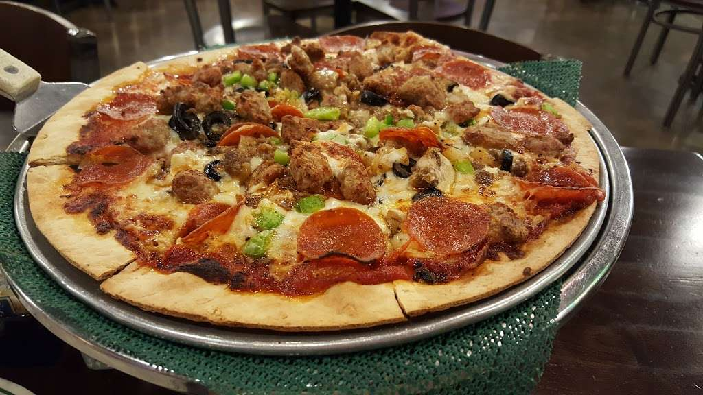 The Pipeline Pizza - restaurant  | Photo 2 of 10 | Address: 3931 Spencer Hwy, Pasadena, TX 77504, USA | Phone: (832) 386-0000