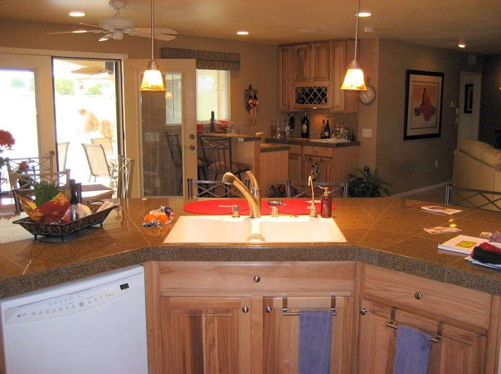 Creative Kitchens and Baths - home goods store    Photo 4 of 10   Address: 2142 Larchmont Cir, Fairfield, CA 94534, USA   Phone: (707) 688-8432