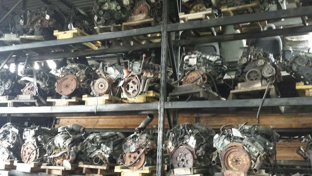 Hilltop Auto Salvage - car repair    Photo 4 of 5   Address: 4157 Boston Rd, Bronx, NY 10466, USA   Phone: (718) 324-0706