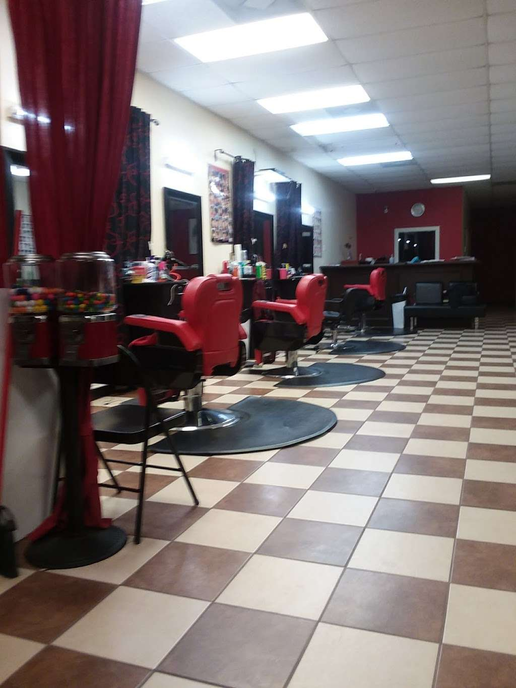 new style salon and barbershop - hair care  | Photo 2 of 10 | Address: 917 Greens Rd, Houston, TX 77060, USA | Phone: (281) 873-2121