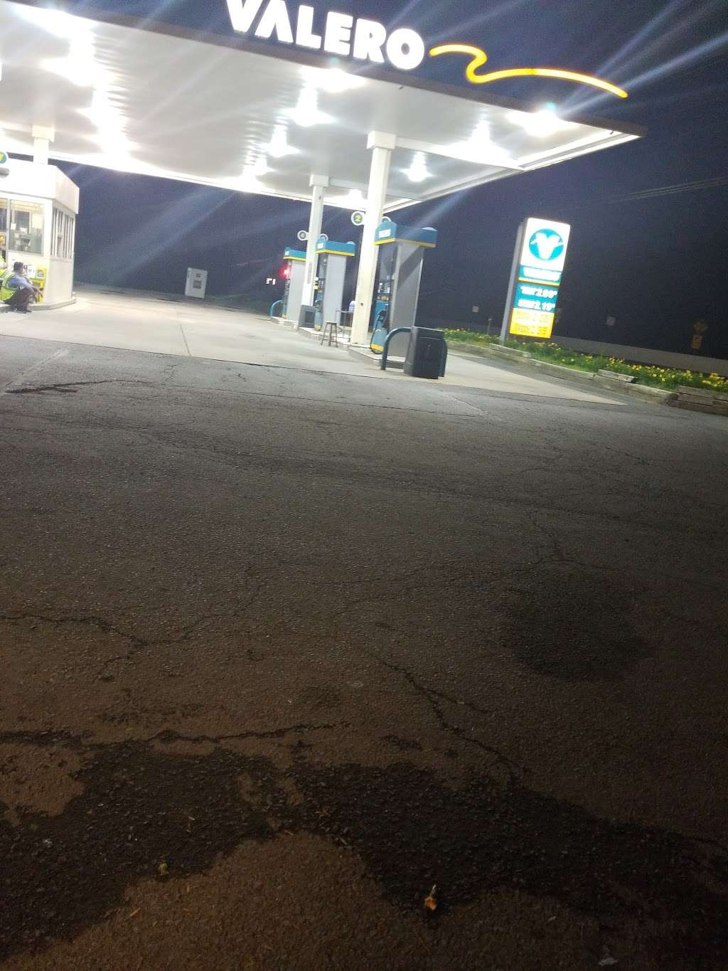 Valero - gas station  | Photo 3 of 3 | Address: 3817 Deans Ln, Monmouth Junction, NJ 08852, USA | Phone: (732) 297-9540