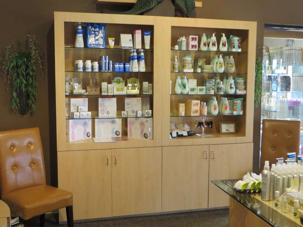 Alison Andrews Day Spa - hair care    Photo 2 of 10   Address: 15613 71st Ct, Orland Park, IL 60462, USA   Phone: (708) 429-2929