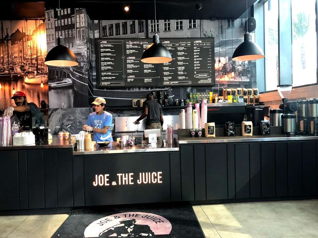 JOE & THE JUICE - meal takeaway  | Photo 1 of 9 | Address: 1451 Brickell Ave, Miami, FL 33131, USA