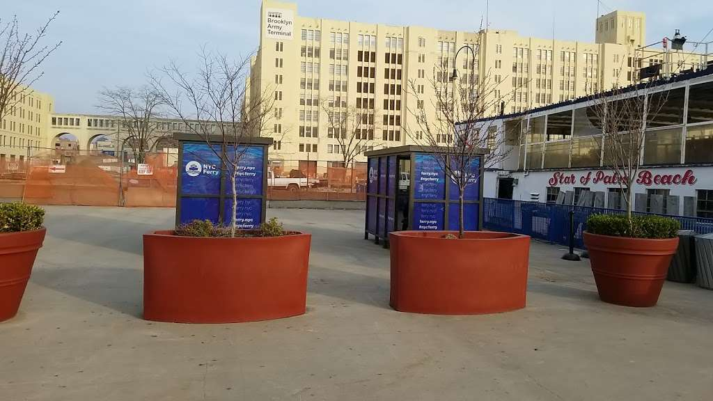 Sunset Park/Brooklyn Army Terminal - transit station  | Photo 5 of 10 | Address: Brooklyn, NY 11220, USA