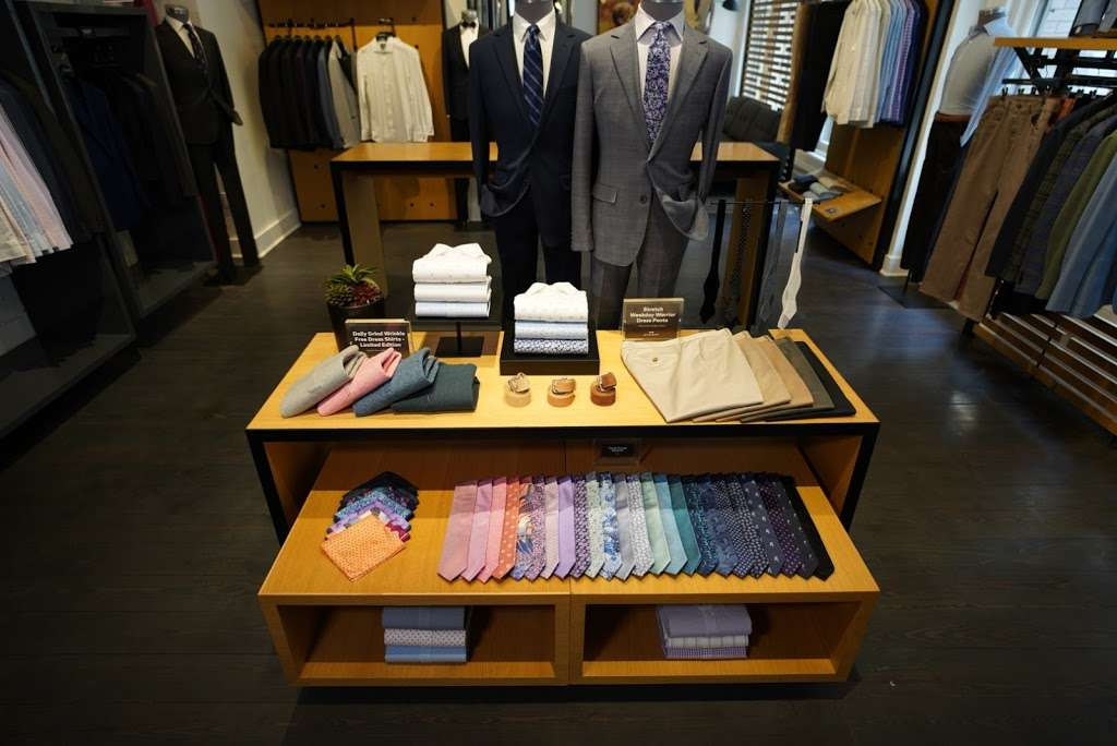 Bonobos - clothing store  | Photo 8 of 10 | Address: 95 5th Ave, New York, NY 10003, USA | Phone: (646) 869-4933