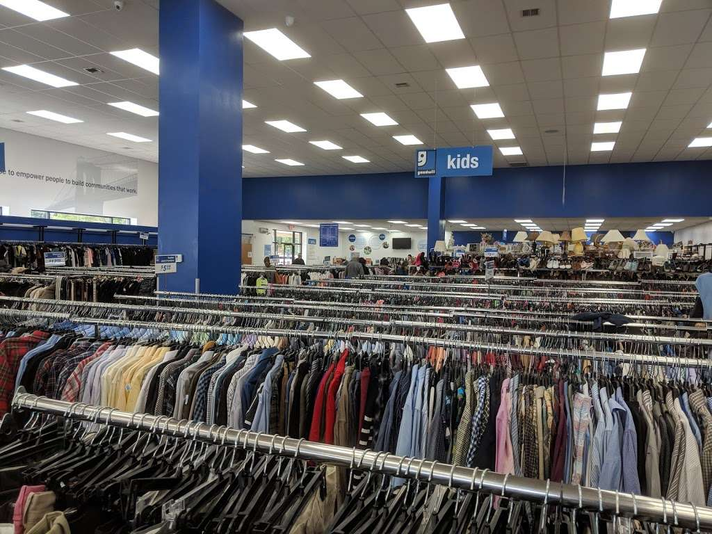 Goodwill Industries Store & Donation Center - clothing store  | Photo 2 of 10 | Address: 1900 Jericho Turnpike, East Northport, NY 11731, USA | Phone: (631) 462-4219
