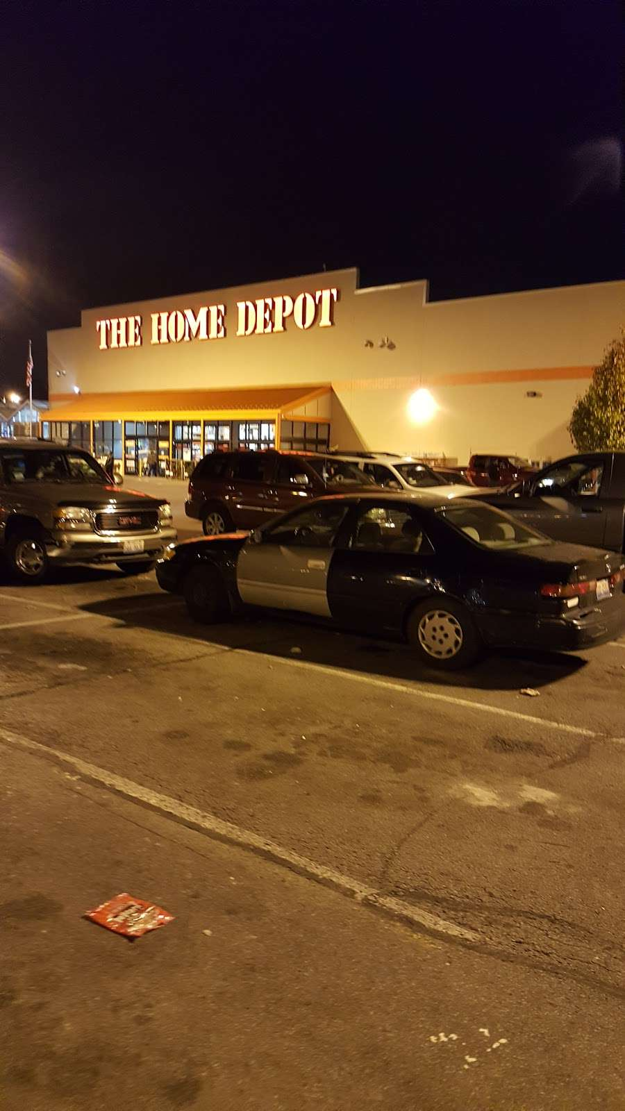 The Home Depot - hardware store    Photo 5 of 10   Address: 200-232 W 87th St, Chicago, IL 60620, USA   Phone: (773) 602-1301