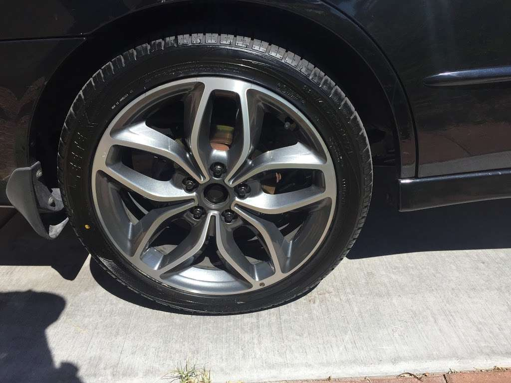 Discount Tire - car repair  | Photo 8 of 10 | Address: 3830 Blue Diamond Rd, Las Vegas, NV 89139, USA | Phone: (702) 893-3322