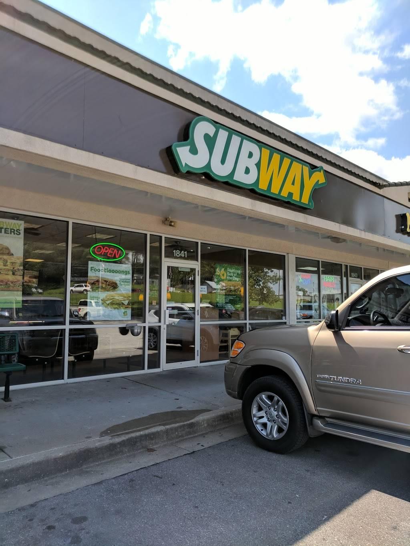 Subway - meal takeaway  | Photo 1 of 7 | Address: 1841 NW Vivion Rd, Riverside, MO 64150, USA | Phone: (816) 584-1069