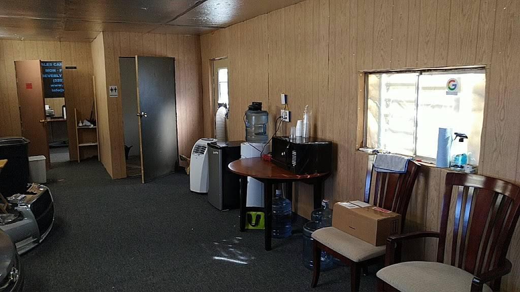 United Shadows 4 Auto - car dealer  | Photo 3 of 10 | Address: 5680 S Beverly Ave, Tucson, AZ 85706, USA | Phone: (520) 339-0168