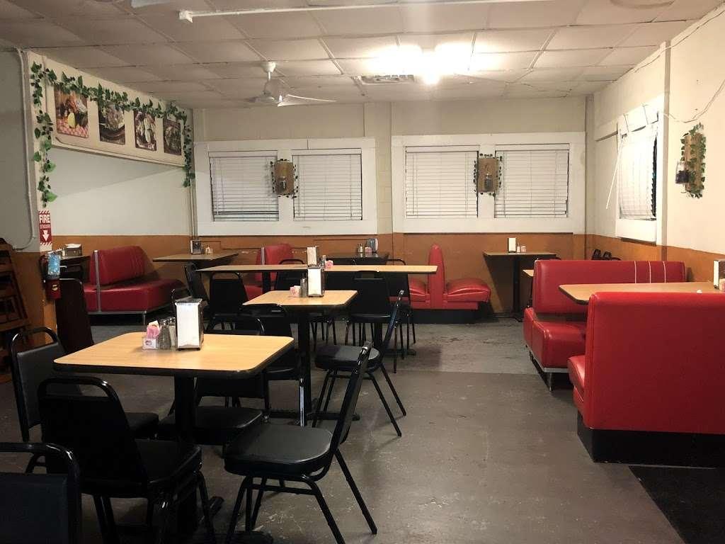 El Carbonero Pollos Asados - restaurant    Photo 2 of 10   Address: 619 S General McMullen Dr, San Antonio, TX 78237, USA   Phone: (210) 907-5573