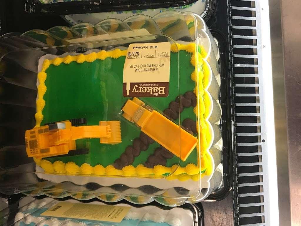 Walmart Distribution Center - storage  | Photo 10 of 10 | Address: 5100 North Ridge Trail, Davenport, FL 33897, USA | Phone: (863) 256-1842
