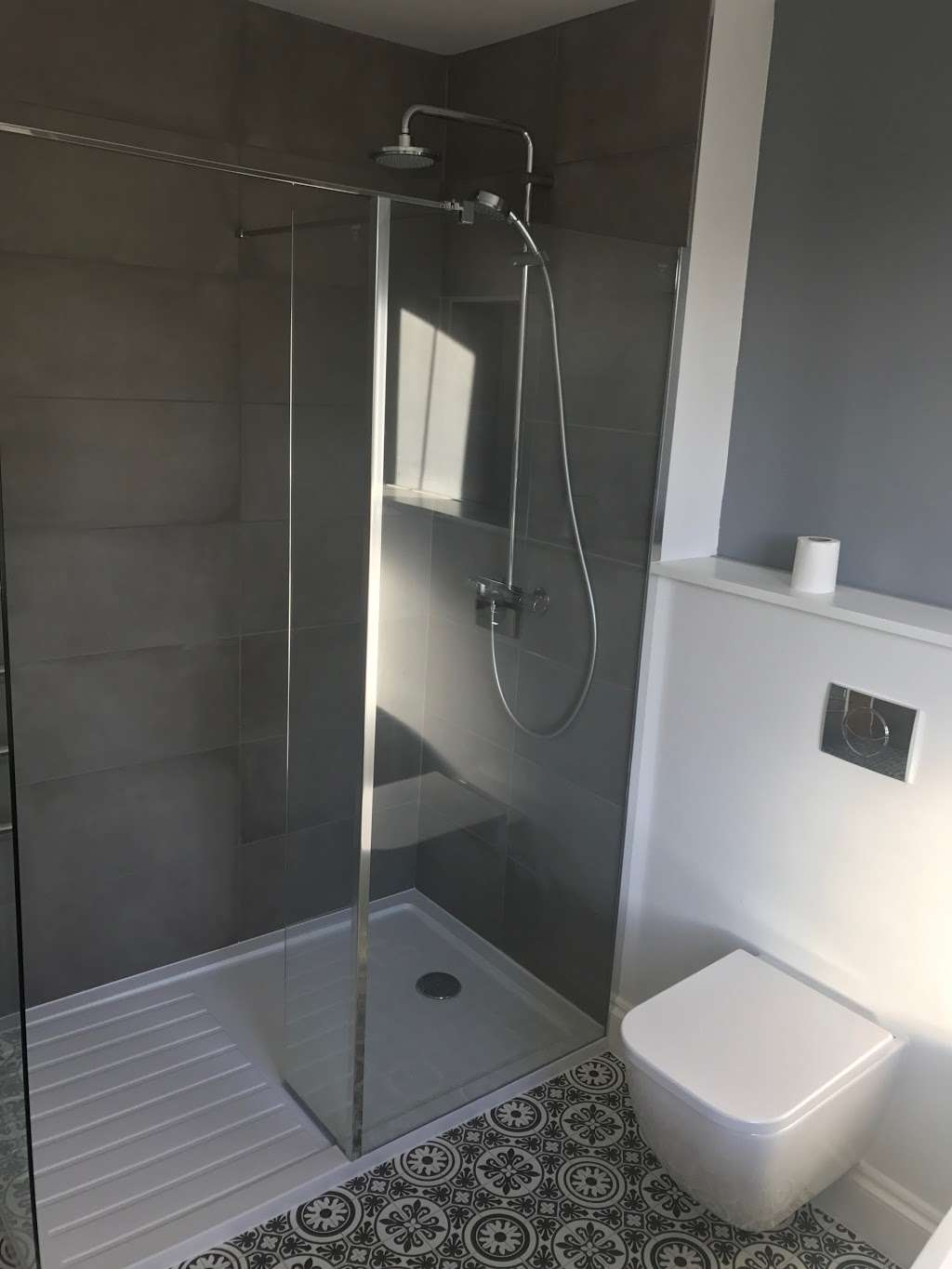 Easy You - plumber  | Photo 2 of 5 | Address: Holly lodge, Lodge lane, Redhill RH1 5DH, UK | Phone: 07736 764725
