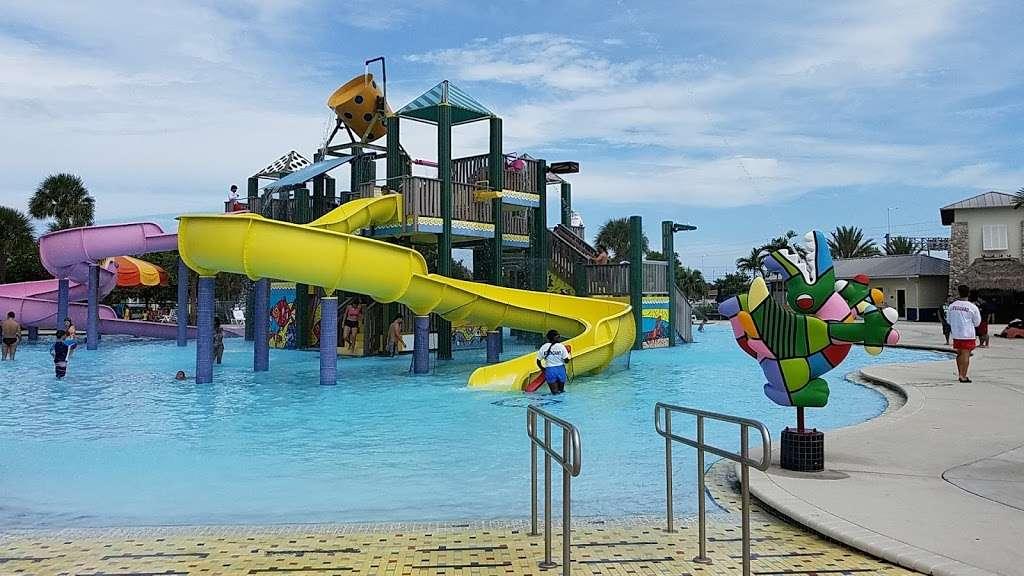 Grapeland Water Park - amusement park  | Photo 1 of 10 | Address: 1550 NW 37th Ave, Miami, FL 33125, USA | Phone: (305) 960-2950