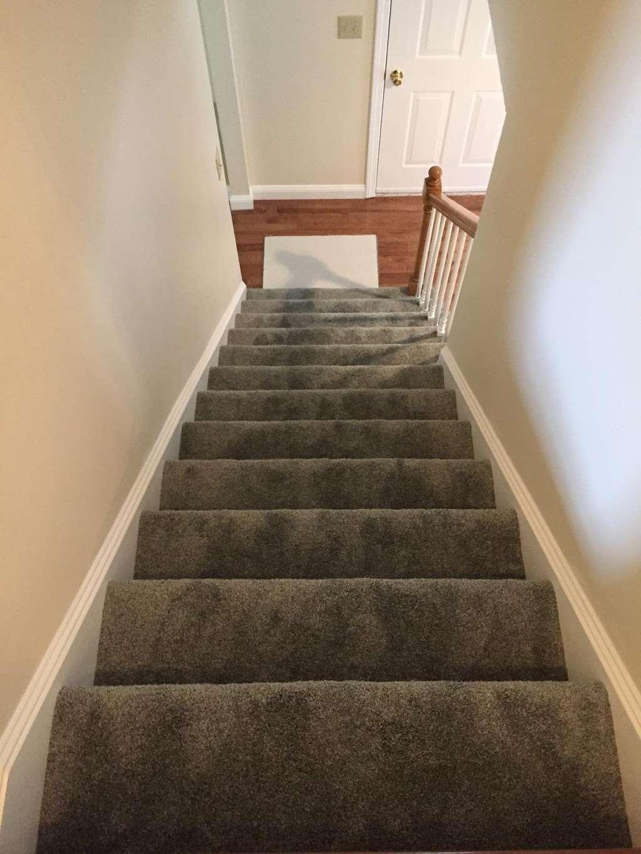 Godfrey Family Carpets - laundry    Photo 1 of 10   Address: 380 Daniel Webster Hwy, Merrimack, NH 03054, USA   Phone: (603) 647-0700