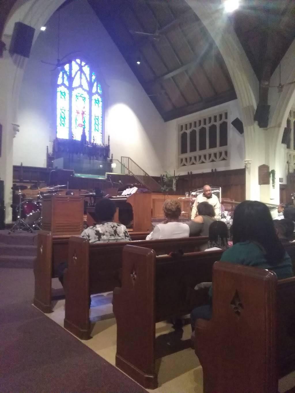 Mt Calvary Missionary Baptist Church - church  | Photo 1 of 9 | Address: 4743 Iroquois Ave, Detroit, MI 48214, USA | Phone: (313) 924-6090