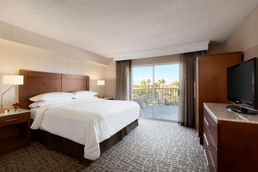 Embassy Suites by Hilton Santa Ana Orange County Airport - lodging  | Photo 2 of 10 | Address: 1325 E Dyer Rd, Santa Ana, CA 92705, USA | Phone: (714) 241-3800