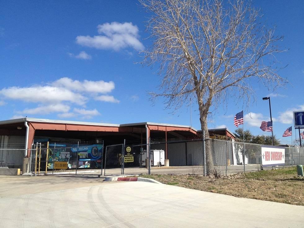 Easy RV Storage and Service - car dealer  | Photo 9 of 9 | Address: 7310 E Ben White Blvd, Austin, TX 78741, USA | Phone: (512) 924-8941