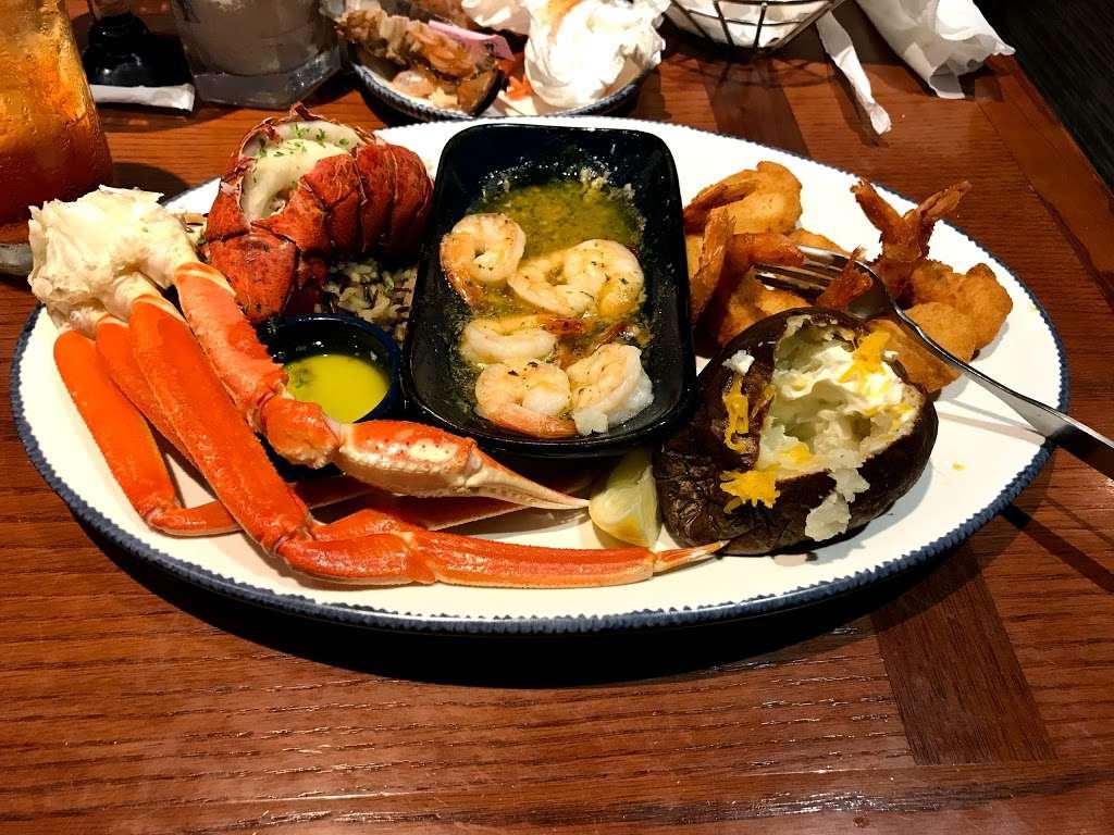 Red Lobster - restaurant  | Photo 4 of 10 | Address: 4717 I-10, Baytown, TX 77521, USA | Phone: (281) 421-5656