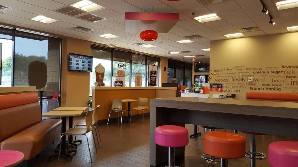 Dunkin Donuts - cafe  | Photo 2 of 10 | Address: 2328 S Chickasaw Trail #17A, Orlando, FL 32825, USA | Phone: (407) 930-6631