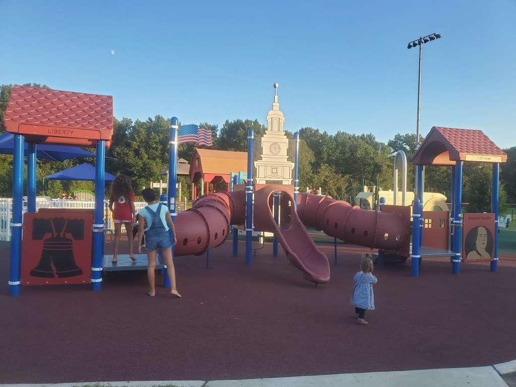 Delran Community Park - park  | Photo 10 of 10 | Address: 12 Hartford Rd, Delran, NJ 08075, USA