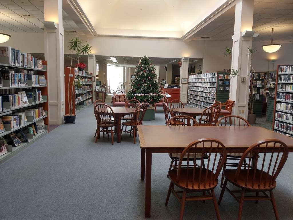 Leach Public Library - library  | Photo 7 of 10 | Address: 276 Mammoth Rd, Londonderry, NH 03053, USA | Phone: (603) 432-1132