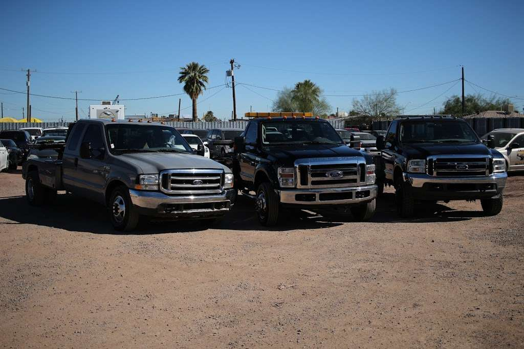 Desert Auto Recovery INC - parking  | Photo 4 of 4 | Address: 1019 S 30th Ave, Phoenix, AZ 85009, USA | Phone: (602) 841-0100