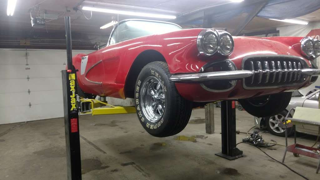 Lil Logans Collision - car repair    Photo 9 of 10   Address: 11815 S Halsted St, Chicago, IL 60628, USA   Phone: (773) 785-7425