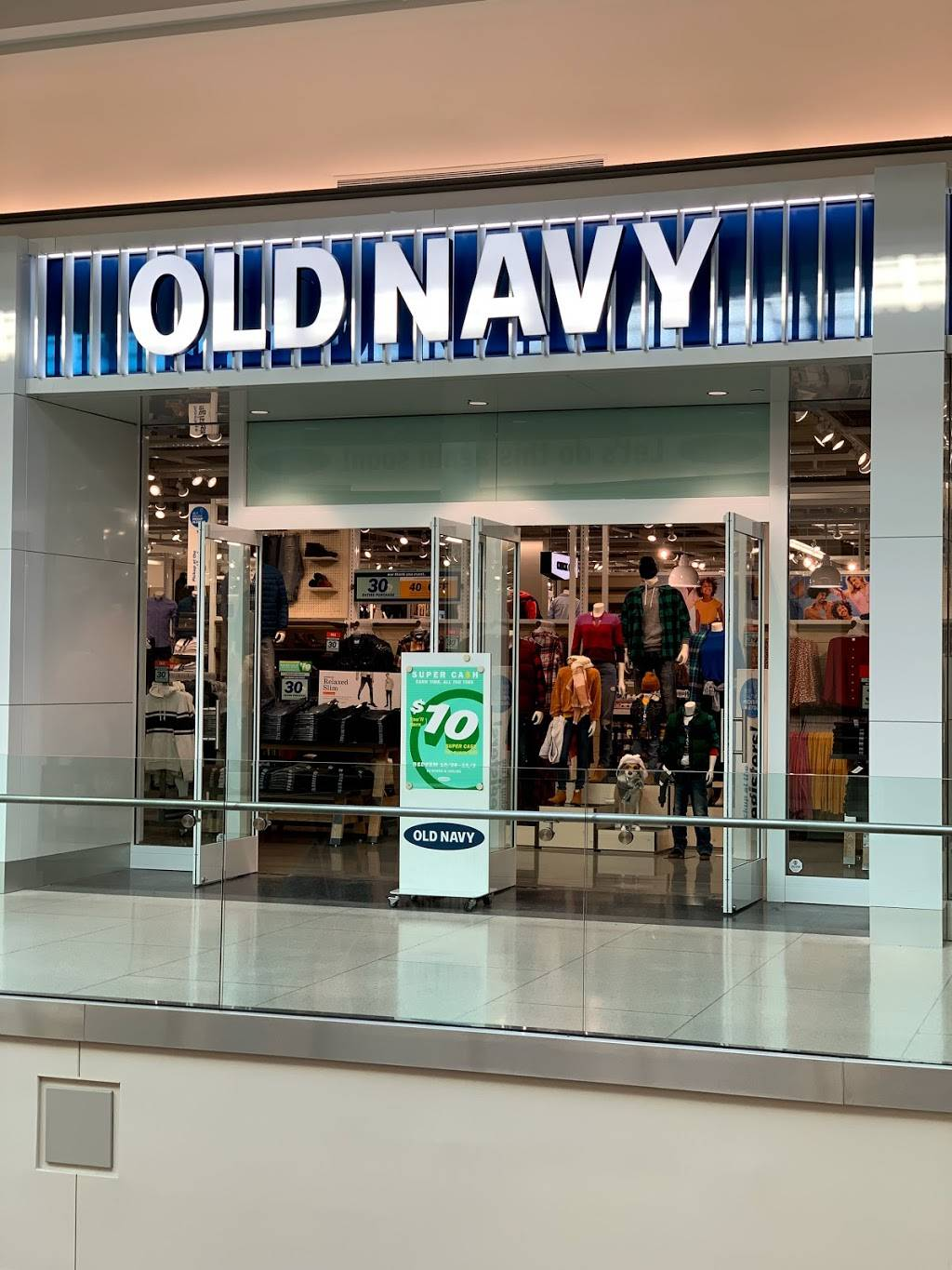Old Navy - with Curbside Pickup - clothing store  | Photo 1 of 10 | Address: 301 S Hills Village Space 2240A, Pittsburgh, PA 15241, USA | Phone: (412) 833-6571
