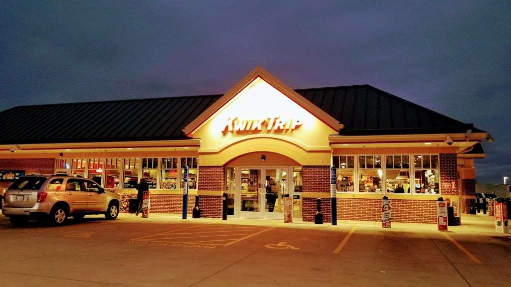 Kwik Trip #184 - convenience store  | Photo 1 of 10 | Address: 2001 Golf Rd, Pewaukee, WI 53072, USA | Phone: (262) 524-1354