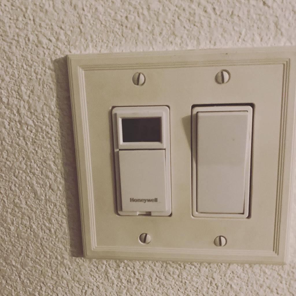 Casita Home Services - electrician  | Photo 7 of 8 | Address: 1510 Marie St, Corona, CA 92879, USA | Phone: (951) 327-9226