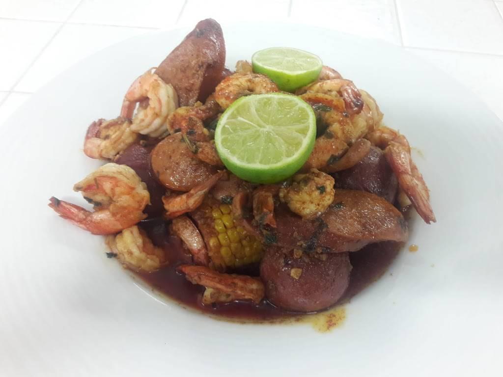 El Botanero Bar - restaurant  | Photo 8 of 10 | Address: 3049 W Northwest Hwy, Dallas, TX 75220, USA | Phone: (469) 399-0082