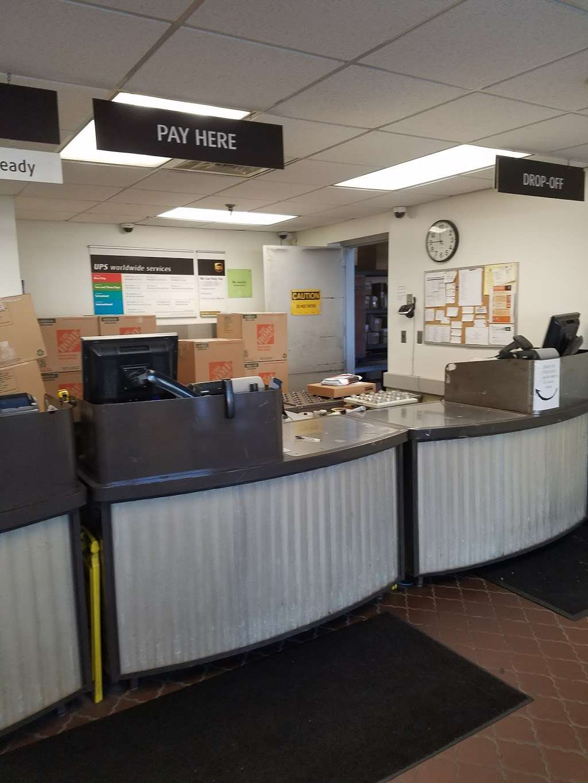 UPS Customer Center - PARSIPPANY - Store   799 Jefferson Rd