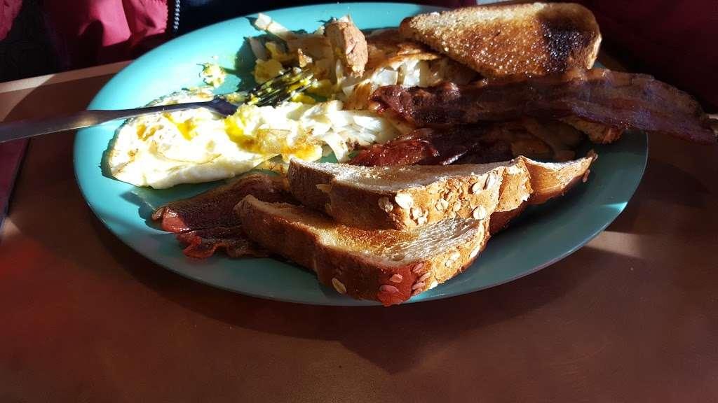 Stonegate Cafe LLC - cafe  | Photo 9 of 10 | Address: 16524 Keystone Blvd F, Parker, CO 80134, USA | Phone: (303) 841-1565