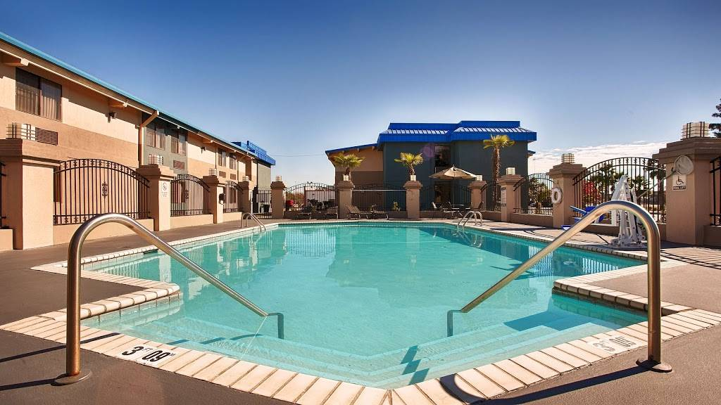 Best Western Magnolia Manor - lodging  | Photo 4 of 10 | Address: 234 N Lobdell Hwy, Port Allen, LA 70767, USA | Phone: (225) 344-3638
